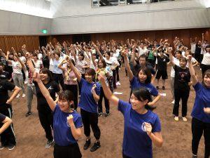 過去最高人数の東京会場①「みんなができるダンス・歌・劇発表研修会」
